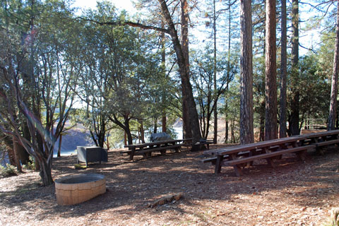 Dekkas Rock Group Campground at Shasta Lake